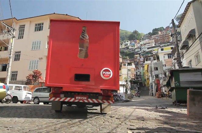Caminhão da felicidade Coca-Cola