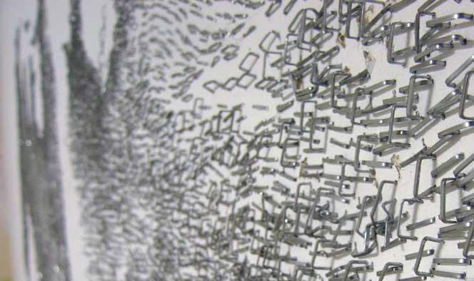 Arte com grampos de escritório
