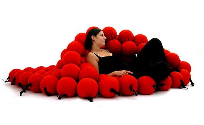 Móvel multiuso se transforma em sofá, cama e poltrona