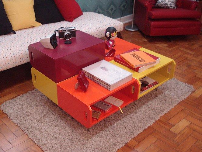 Caixotes de feira transformados em móveis