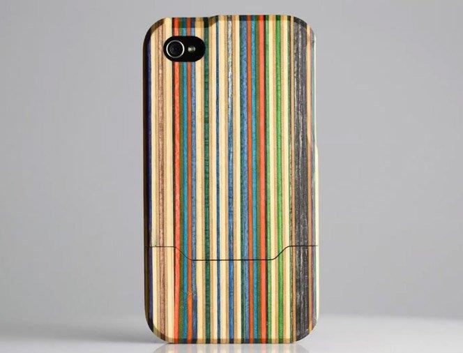 Case de iPhone feito com madeira de Skate