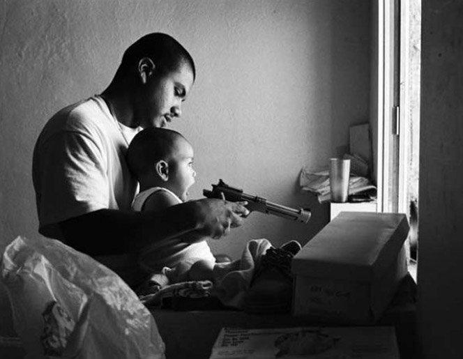 Fotógrafo registra vida de gangues