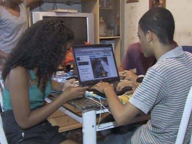 Jovem de 17 anos é o autor do voz da comunidade e sonha em fazer jornalismo