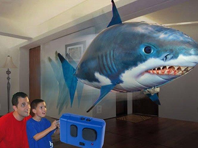 Tubarão inflável de controle remoto