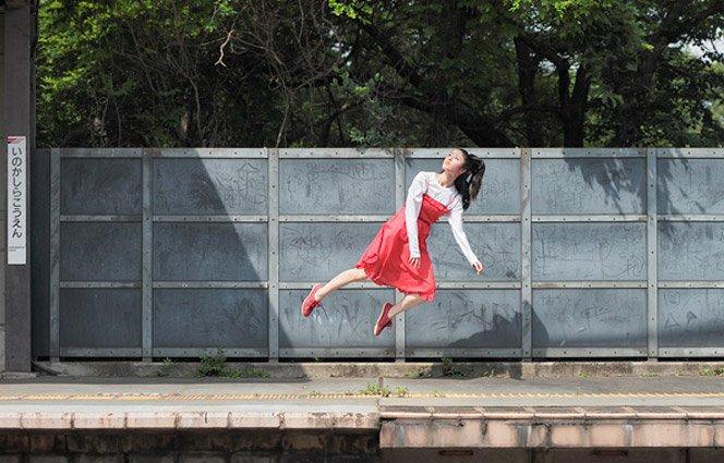 Levitando em Fotos