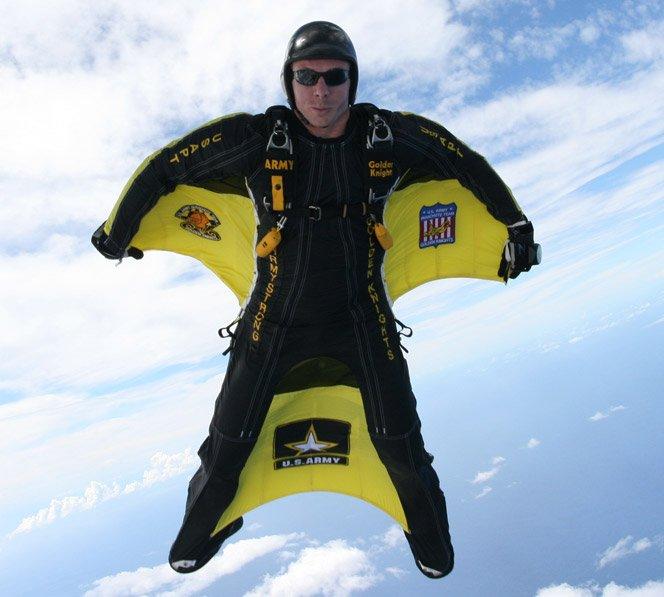 Wingsuit – Adrenalina como um homem-pássaro