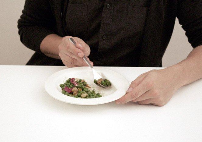 Prato que dispensa a faca