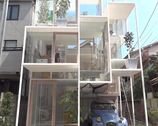 A casa de vidro em Tóquio