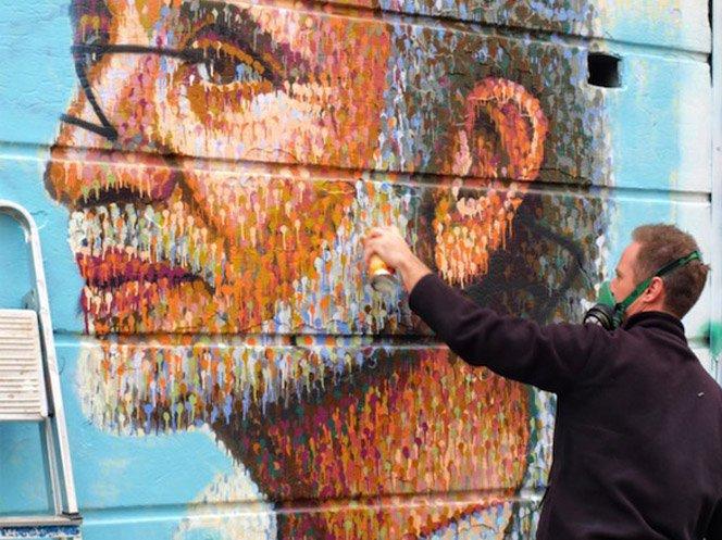 Graffiti com pontos na parede