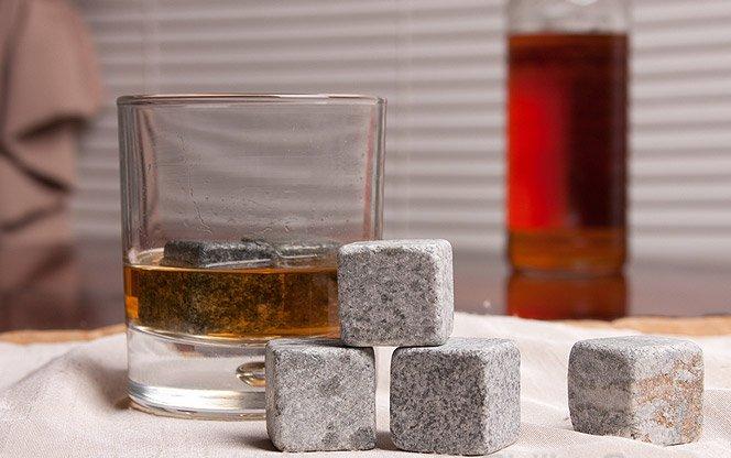 Pedras para gelar seu whisky e não deixar ele aguado