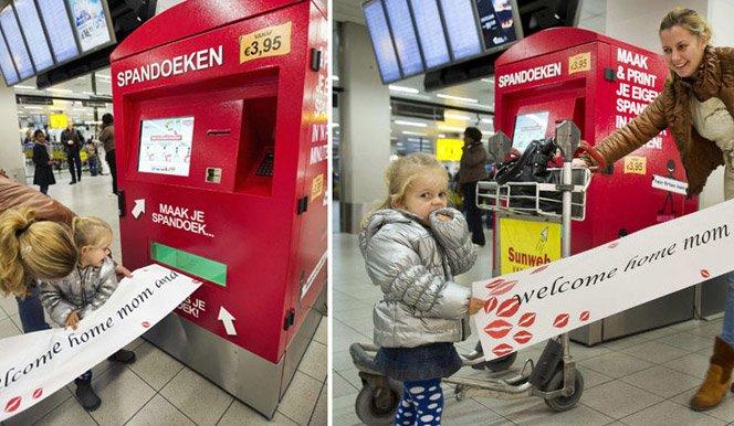 Vending machine no aeroporto que imprime faixas de boas-vindas