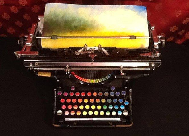 Fazendo arte usando uma máquina de escrever