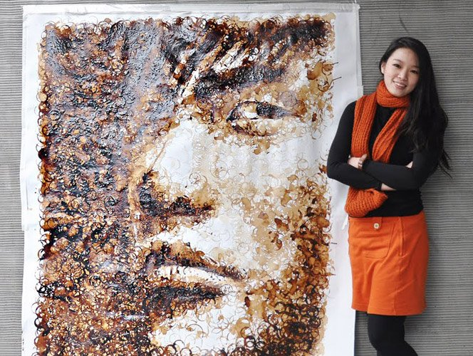 Artista japonesa cria ilustração com manchas de café