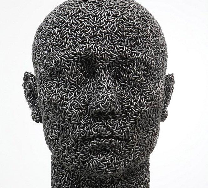 Esculturas sensacionais feitas com correntes