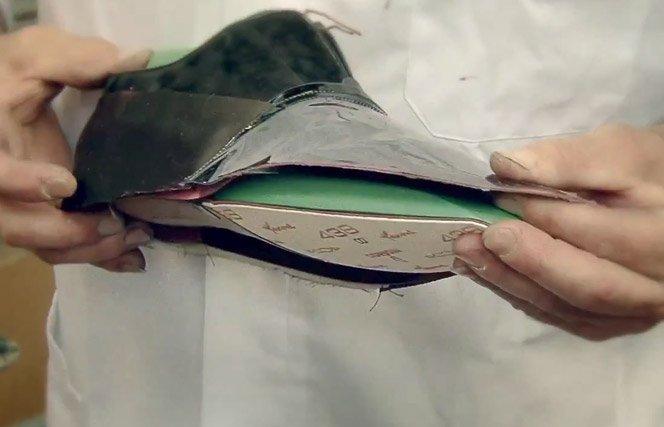 Como são feitos os sapatos Louis Vuitton