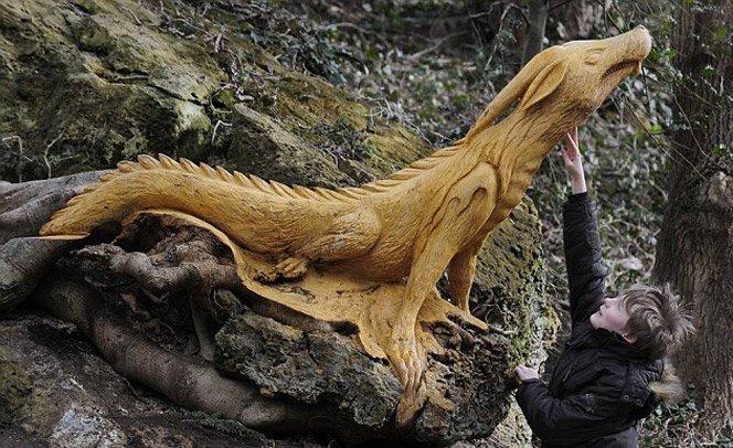 Esculturas sensacionais esculpidas direto na árvore