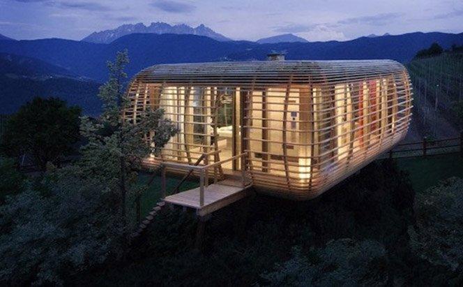 Uma casa na montanha inovadora