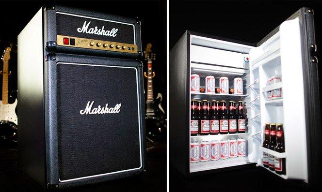 Frigobar simulando um amplificador Marshall