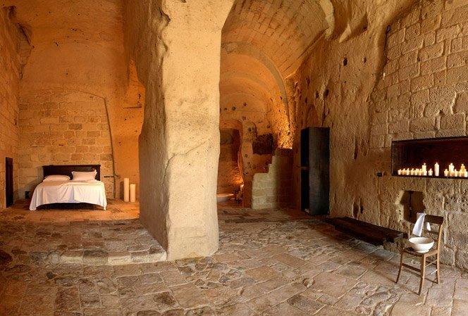 Hotel construído dentro de uma caverna