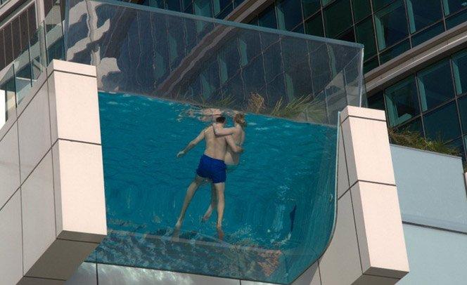 Piscina suspensa em Dubai