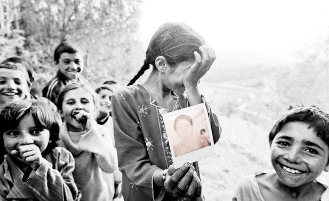 Retrato de Afegãos que nunca tinham visto uma fotografia na vida