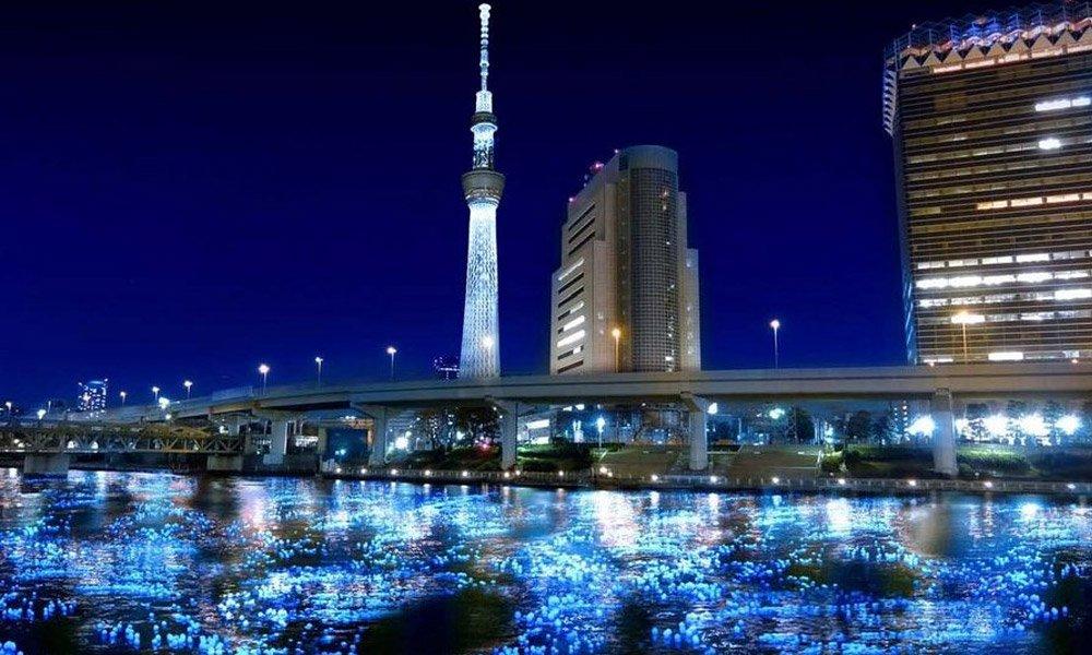 Arte com 100 mil LEDs iluminam rio em Tóquio