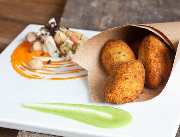 Chefs famosos fazem comida de rua durante a Virada Cultural