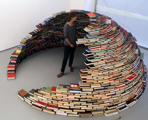 Uma maneira criativa de organizar os seus livros