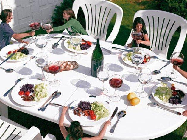 Le dîner de Gulliver, o hiperrealismo de Lilian Bourgeat