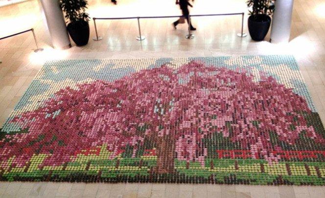 Mosaico feito com 10 mil cupcakes