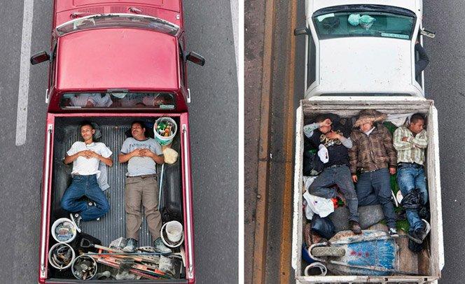 Fotógrafo retrata pessoas pegando carona em pick-ups