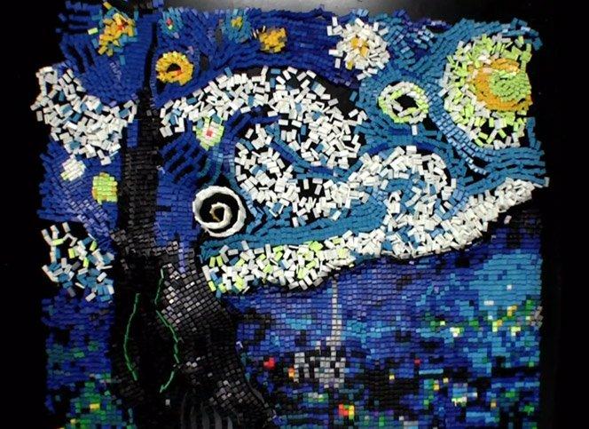 Quadro de Van Gogh feito com 7067 dominós