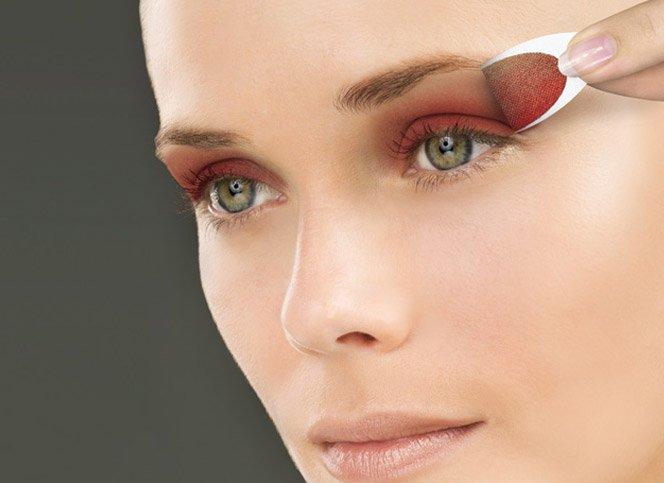 Maquiagem instantânea faz a alegria das mulheres sem tempo