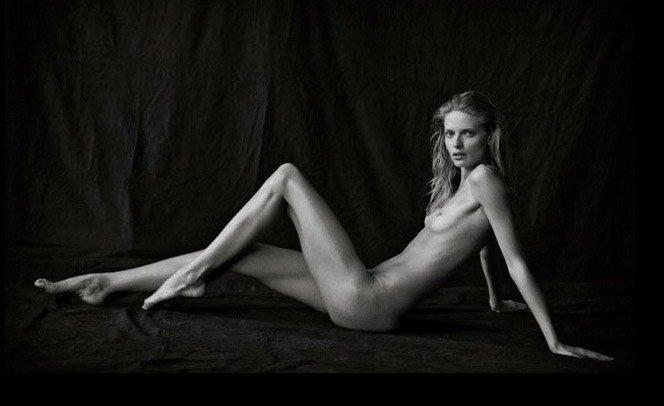 Vogue alemã faz editorial com modelos nuas sem Photoshop