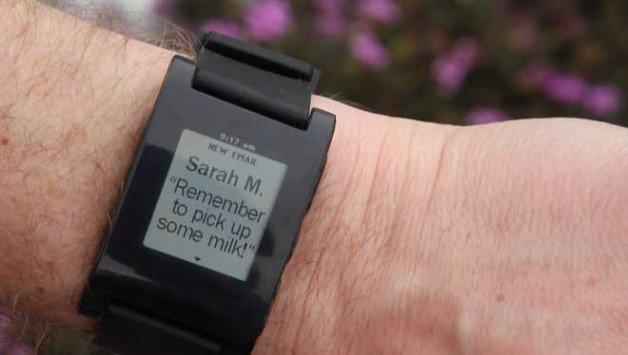O relógio de pulso que se conecta   com iPhone e Android