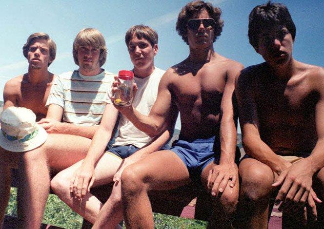 Cinco amigos e uma foto juntos a cada cinco anos