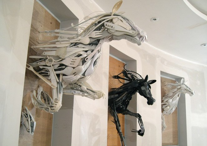 Esculturas incríveis feitas com utensílios de cozinha