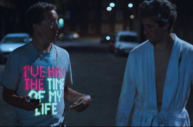 tshirtOS . A camiseta digital que se comunica com as pessoas ao seu redor