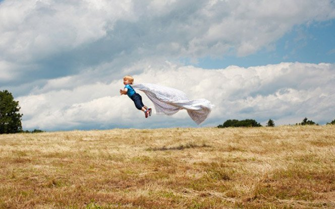 Mãe fotografa seu bebê voador – Parte 2