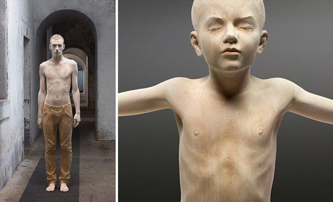 Esculturas de madeira que parecem pessoas de verdade