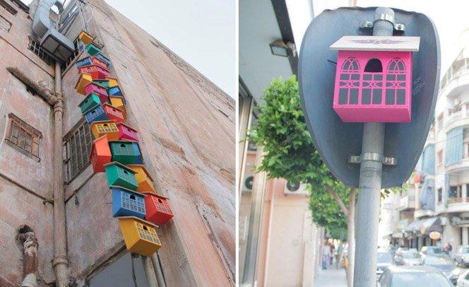 Arte em forma de casinhas para pássaros