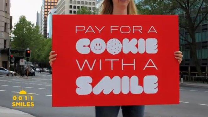 Pague por um cookie com um sorriso