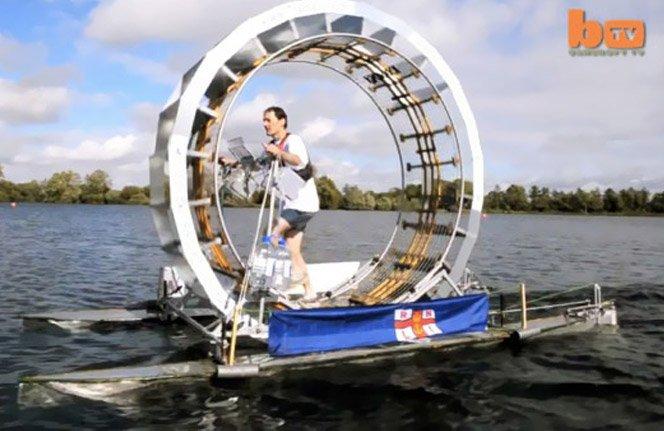 Homem cria máquina que permite andar sobre a água