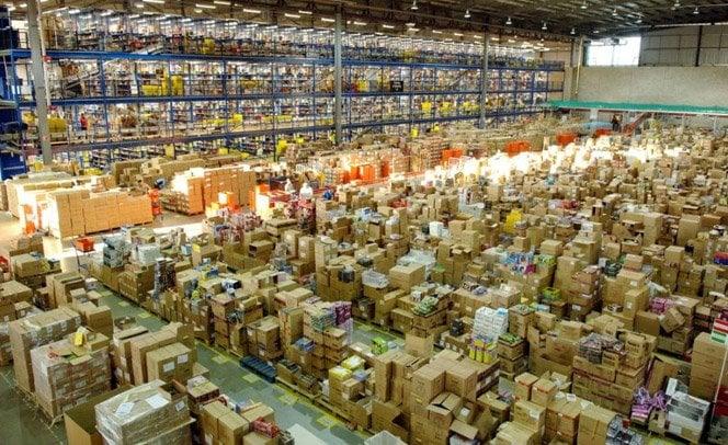 Por dentro do gigantesco estoque da Amazon