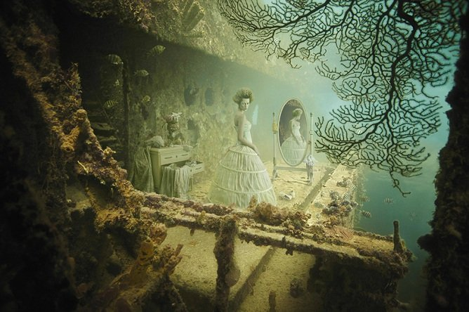 Uma exposição fotográfica nas profundezas do mar do Caribe