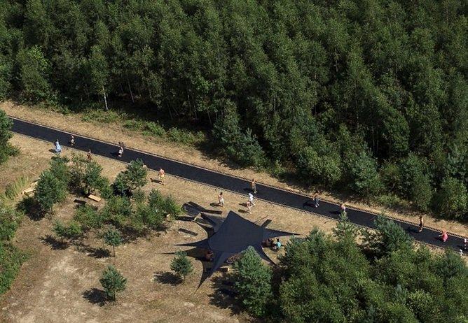 Fast Track, um trampolim com mais de 51 metros de comprimento