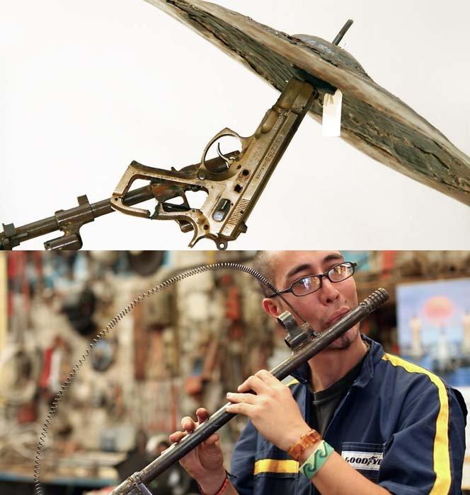 Projeto transforma armas em instrumentos musicais