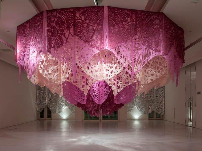 Artista argentino faz esculturas gigantescas usando unicamente papel