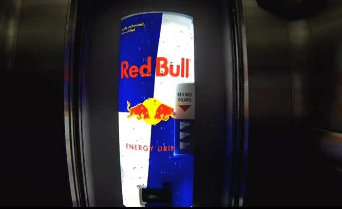 Elevador é transformado em drive-thru de Red Bull