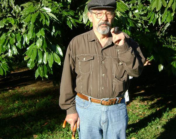 O brasileiro que escreveu mais de mil livros e foi parar no Guiness Book